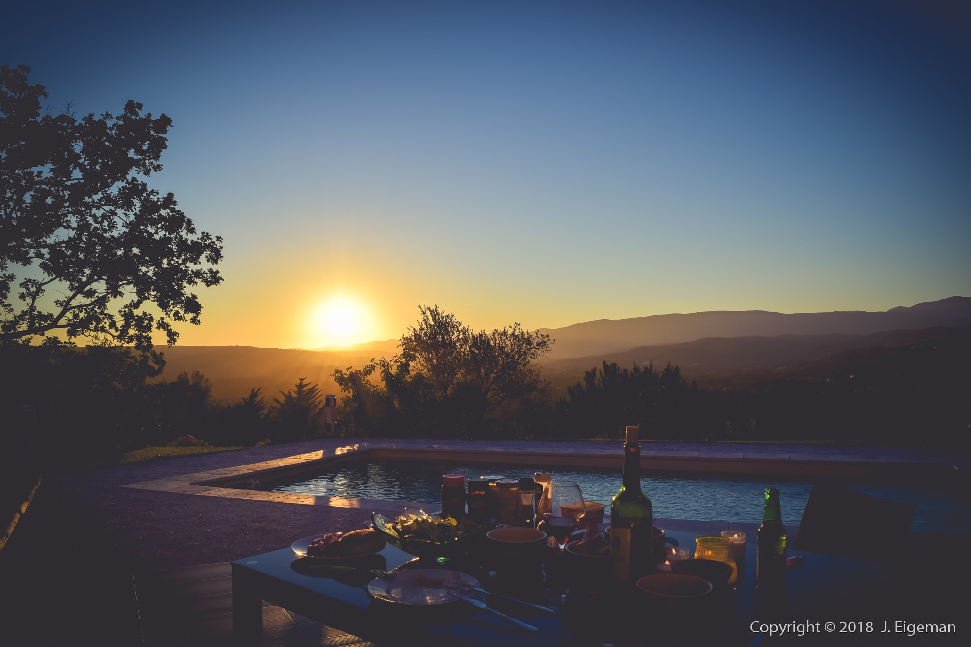 Dining sunset photography